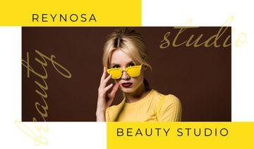 Beautiful young girl in sunglasses